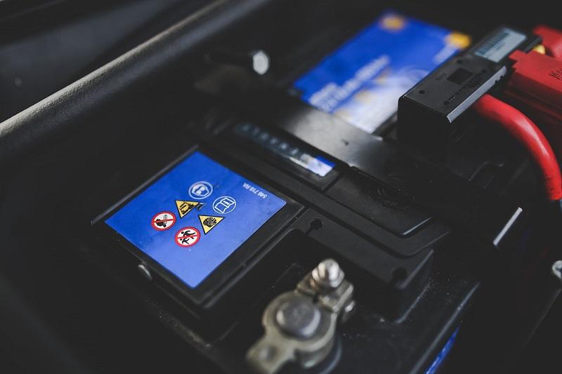 Uzroci pražnjenja akumulatora za auto